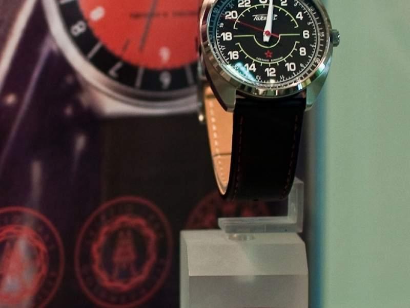 PROMFOTO из ЖЖ: Как делают наручные часы / ОАО «Петродворцовый часовой завод» (ОАО «Ракета»)